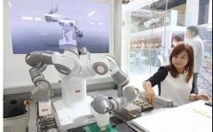 Four Applications of Industrial Robots and CNC Machine Tools